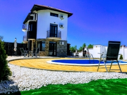 "Villa ""Sky Field"", 50m from the Black Sea Rama Golf Course."